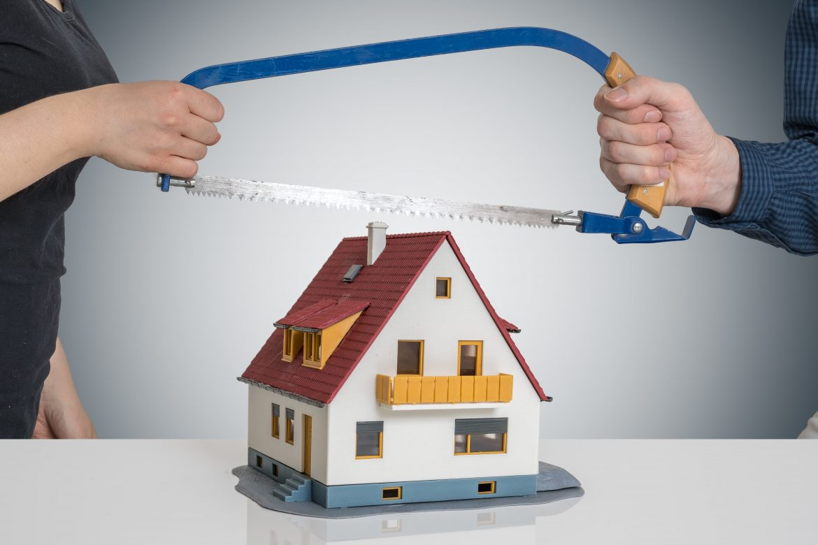 Keeping Or Selling a Home Due to Divorce In SW Florida